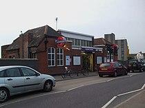 Neasden station building.JPG