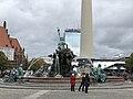 Neptunbrunnen 048.jpg