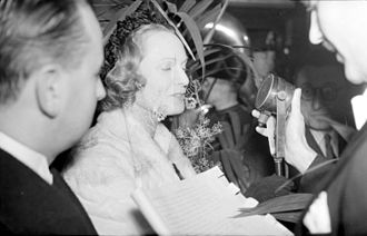Anna Neagle - Anna Neagle gives a radio interview in Montreal in 1937.