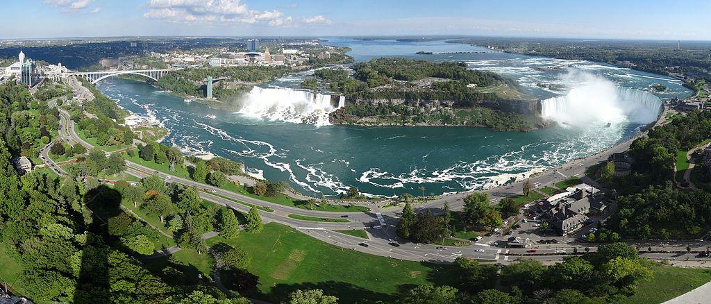 Niagarafälle (Niagara Falls),  Ниагарские водопады вид с башни Скилон