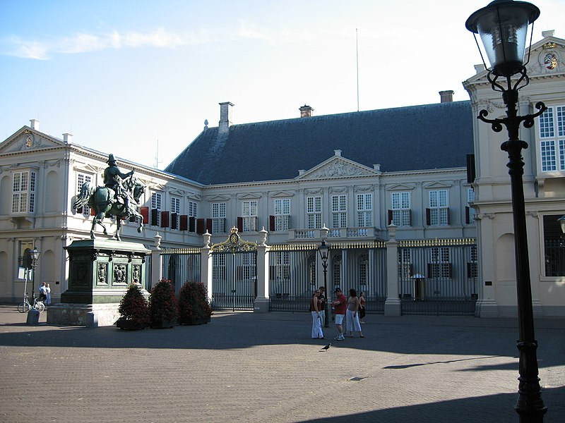 "The ""Paleis Noordeinde"" has been Queen Beatrix' official work-palace since 1984. It is closed to the public, but the Palace Gardens (""Paleistuin"") are accessible to the public."