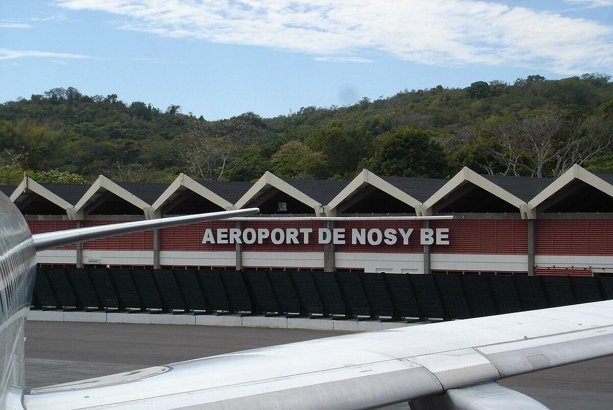 Aeroporto Nosy Be : Fascene airport wikipedia