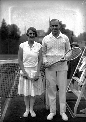 Meryl O'Hara Wood - Meryl O'Hara Wood, with Gerald Patterson, at the 1928 French Championships