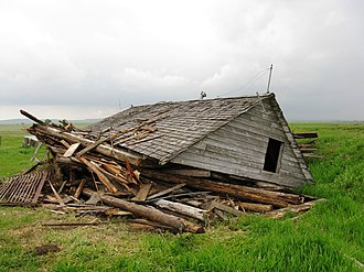Hungarian Canadians - Abandoned farmstead of Steve Kapcsos in Alberta. The early Hungarian immigrants had lived in similar cabins.