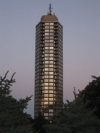 Olympia Apartments (Hamilton, Ontario) - Image: Olympia Hamilton