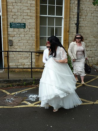 Sham marriage in the United Kingdom - Sham marriage on 8 June 2010 at Oxford Registry Office