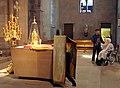 Pâques orthodoxes à l'église Saint-Étienne de Strasbourg - l'autel.jpg