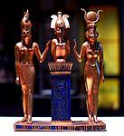 P1060930 Louvre Famille du dieu Osiris rwk.JPG