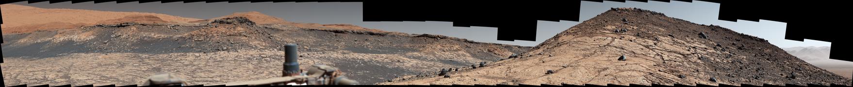 PIA23971-MarsCuriosityRover-Landscape-20200803.png