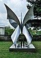 PL-PK Mielec, rzeźba Kwiat paproci (Alojzy Nawrat 1979) 2016-08-24--11-04-07-001.jpg