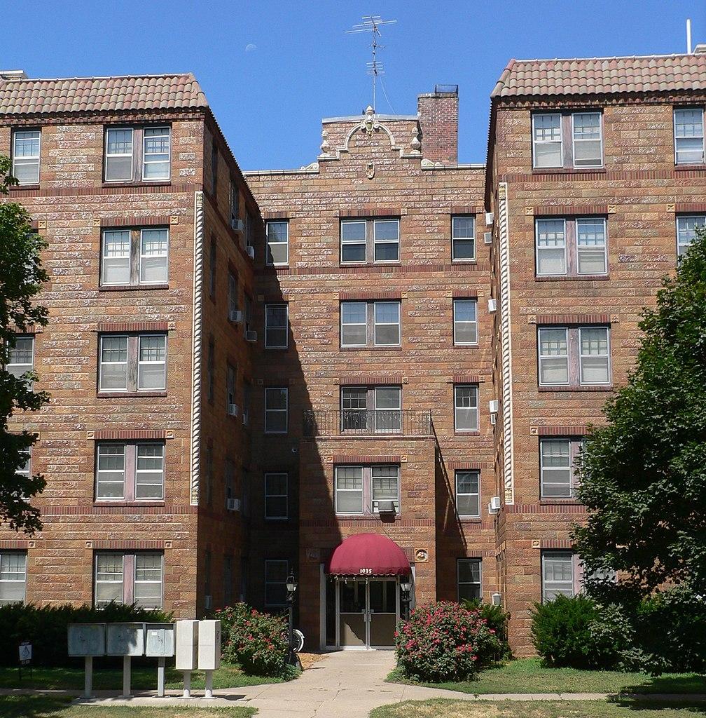 Apartments Lincoln Ne Near Scc: File:Palisade-Regent Apts (Lincoln, NE) 1035 From E 1.JPG