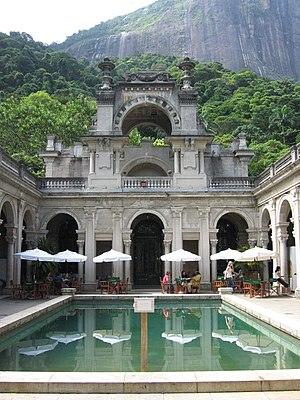 Parque Lage - The atrium of the mansion with café.