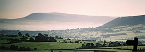 Pendle witches - Image: Pendle Hill above mist 235 0004