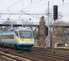 4a9f7a34279 České Pendolino ve zkušebním provozu přijíždí do stanice Roudnice nad Labem
