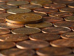 Fotografia de várias moedas.