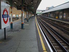 Plaistow station look east2.JPG