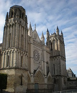 Image illustrative de l'article Cathédrale Saint-Pierre de Poitiers