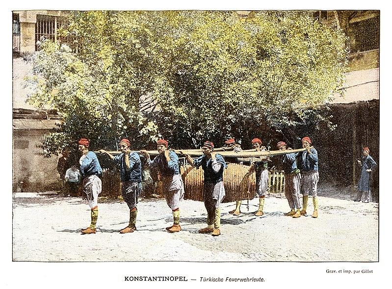 File:Pompiers fin XIXème.jpg
