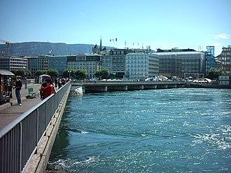 Multi-way bridge - Image: Pont des Bergues