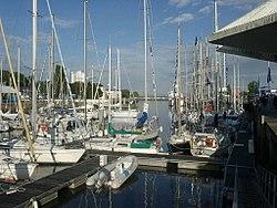 Port plaisance Lorient.jpg