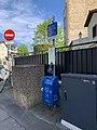 Poubelle Distributeur Sacs Excréments Chiens Rue Maison Rouge Docteur Khalfa Guedj Fontenay Bois 2.jpg