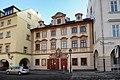 Praha, dům U Černého vola - panoramio (2).jpg