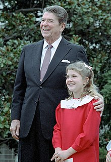 Wikipedia: Drew Blyth Barrymore at Wikipedia: 220px-President_Reagan_with_Drew_Barrymore_at_a_ceremony_launching_the_Young_Astronauts_program_on_the_south_lawn._October_17%2C_1984