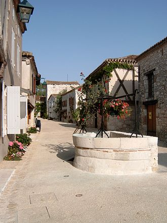 Pujols, Lot-et-Garonne - The main street in Pujols