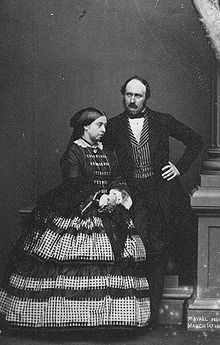 Victoria und Prinzgemahl Albert im März 1861 (Foto von John Jabez Edwin Mayall) (Quelle: Wikimedia)