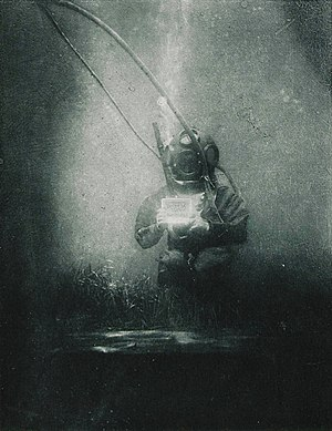 Timeline of diving technology - The oceanographer and biologist Emil Racoviță, here equipped with a standard diving dress. An underwater photograph taken by Louis Boutan (Banyuls-sur-Mer, south of France, 1899).