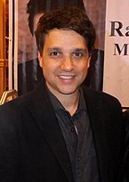Ralph Macchio at the Chiller Theatre Expo in NJ, October 26, 2013 (02).jpg
