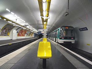 Louis Blanc (Paris Métro) - Image: Rame MF88 a Louis BLANC