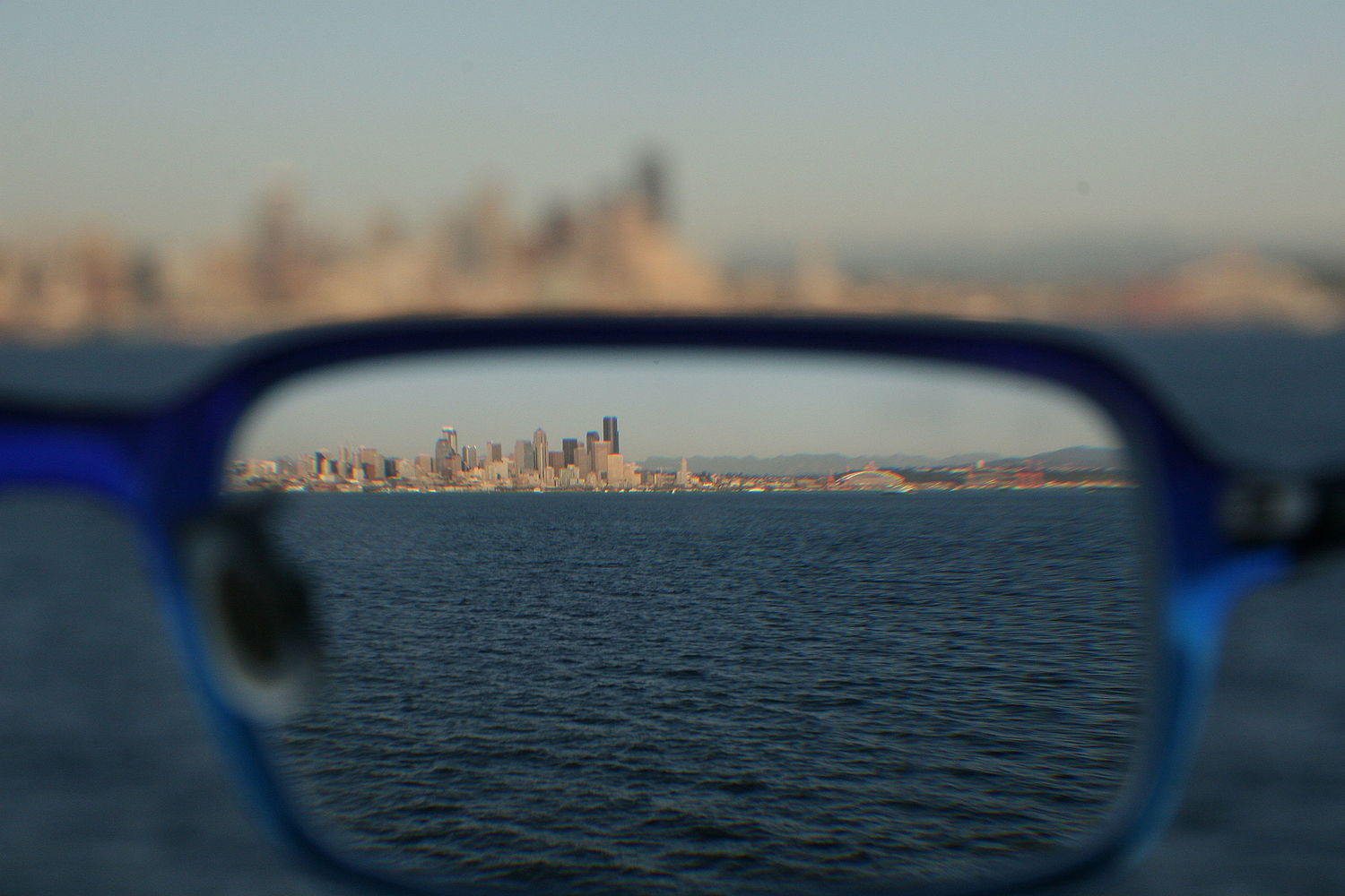 Refraction through glasses 090306.jpg