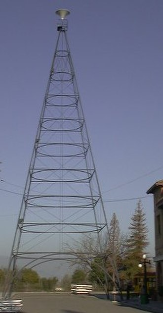 History of San Jose, California - This replica of the Light Tower at the San Jose History Park stands only half of the original tower's 237 feet (72 m).