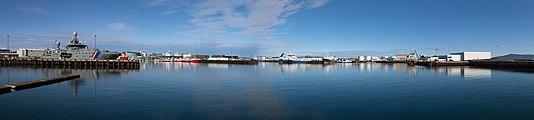 Reykjavík Old Harbor.jpg