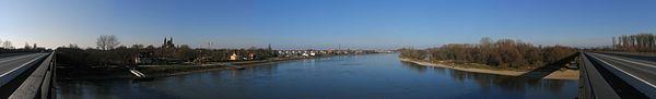Rhein bei Speyer01 2008-12-26.jpg