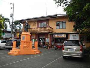 Rizal, Laguna - Rizal Town Hall with statue of José Rizal