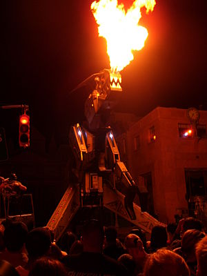 Halloween Horror Nights - Robosaurus in a show from Halloween Horror Nights 16