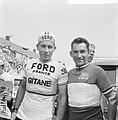 Ronde van Nederland, start te Amstelveen, Jacques Anquetil (links) en Jean Stabl, Bestanddeelnr 917-7570.jpg