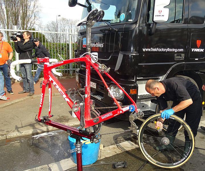 Reportage réalisé le dimanche 12 avril à l'occasion de l'arrivée du Paris-Roubaix 2015 à Roubaix, France.
