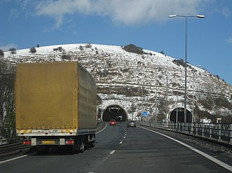 A20 road (England) - The western portals of the Roundhill Tunnel