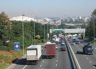 A102 road - Image: Rush hour on the A102 geograph.org.uk 205323