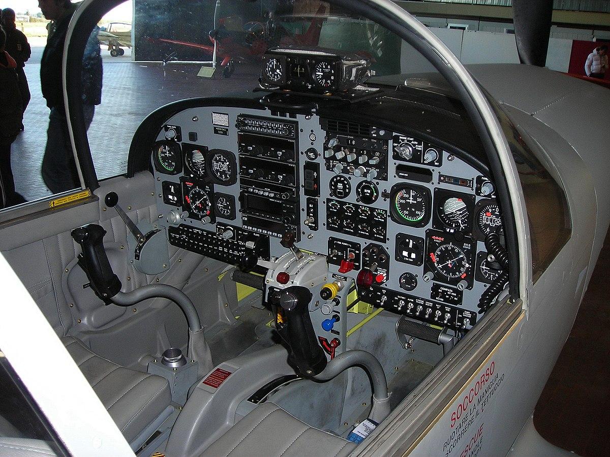 Koulutuslentokone Wikipedia