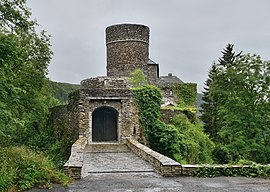Schuttbourg entrance July 2012.jpg