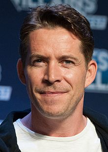 Description de l'image Sean Maguire (cropped).jpg.