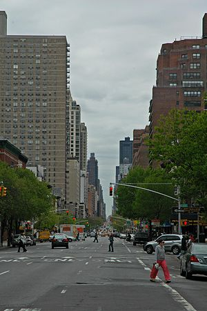 85th Street (Manhattan) - Looking south on Second Avenue from East 85th Street in 2005
