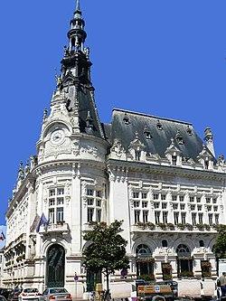 L'hôtel de ville de Sens.