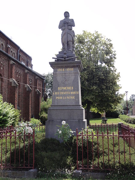 Sepmeries (Nord,Fr) monument aux morts