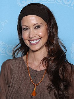 Shannon Elizabeth Photo Op GalaxyCon Richmond 2020.jpg
