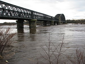 Spey in spate at Garmouth.JPG